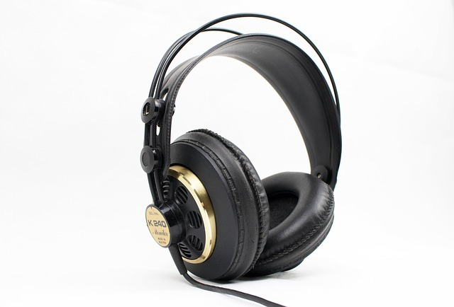 Best Headphones Under 75 Dollars in 2021