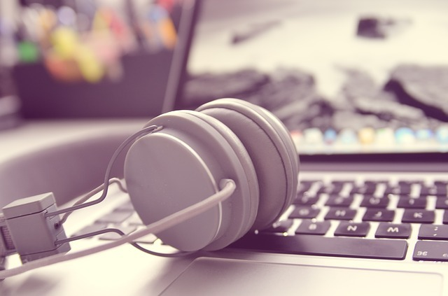 6 Best Headphones For Computer Use
