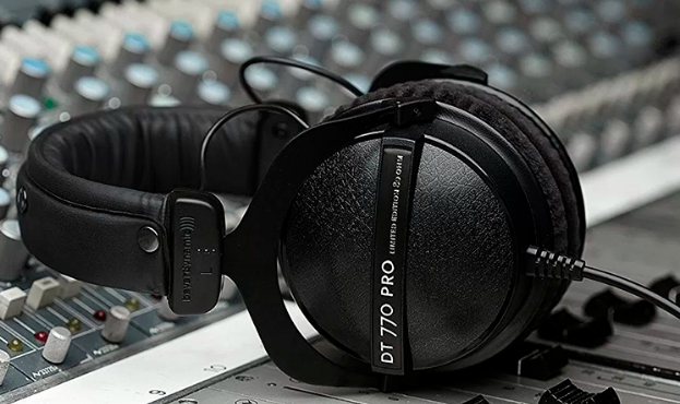 best monitor headphones